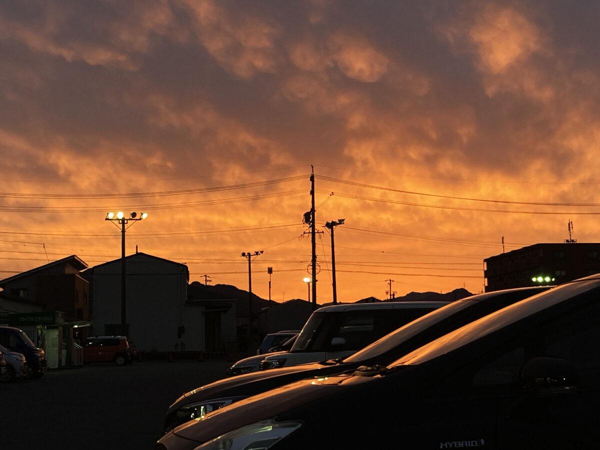 2021年06月05日三重県津市芸濃町ぎゅうとら駐車場から夕焼け